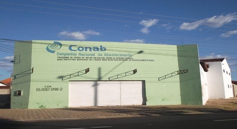 Bolsonaro fechou mais de vinte armazéns públicos de alimentos em 2019