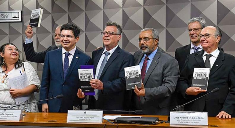 Especialistas: reforma vai aumentar a desigualdade social e de renda
