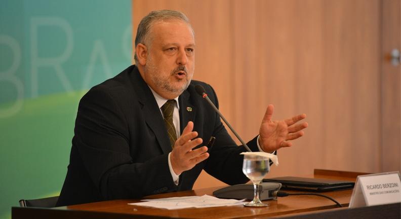 Ex-ministro da Previdência: reforma é discriminatória e ruim para economia