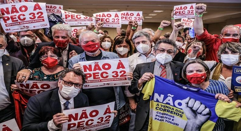 Ex-presidente Lula recebe reivindicações de sindicatos e reafirma posição contra a PEC 32