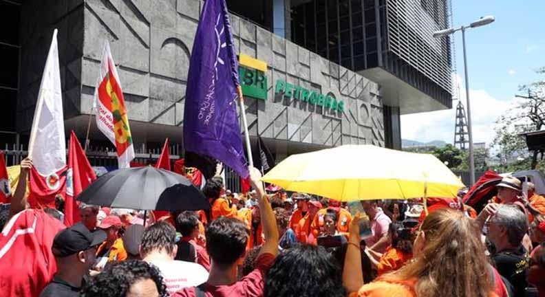 Por que funcionários de empresas estatais estão em greve