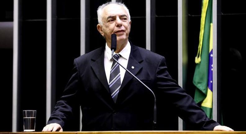 Proposta obriga governo a custear plano de saúde para servidores intoxicados