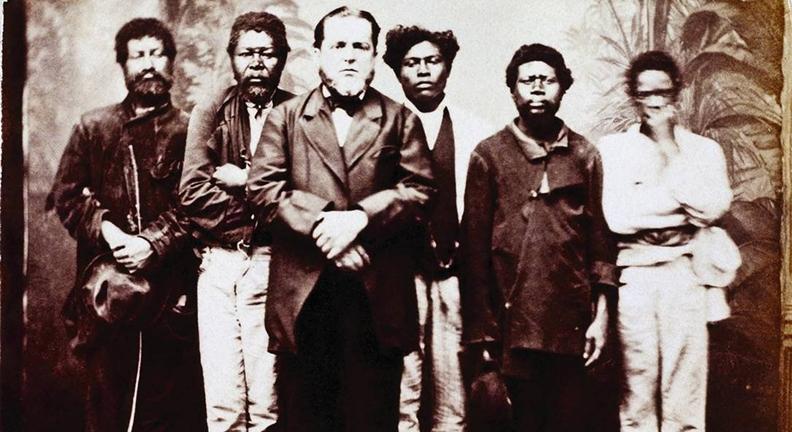Reformas do governo tentam voltar o País à época da escravização