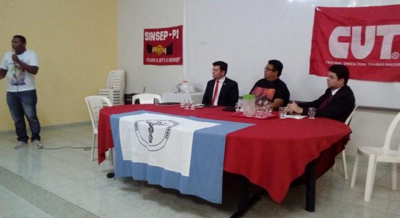 Regional de Floriano participa de debate sobre fim do MTE e Previdência