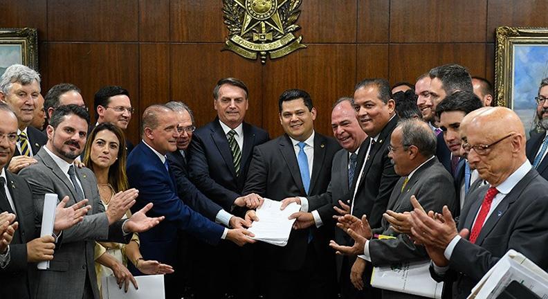 Senado recebe novo pacote de reformas do governo