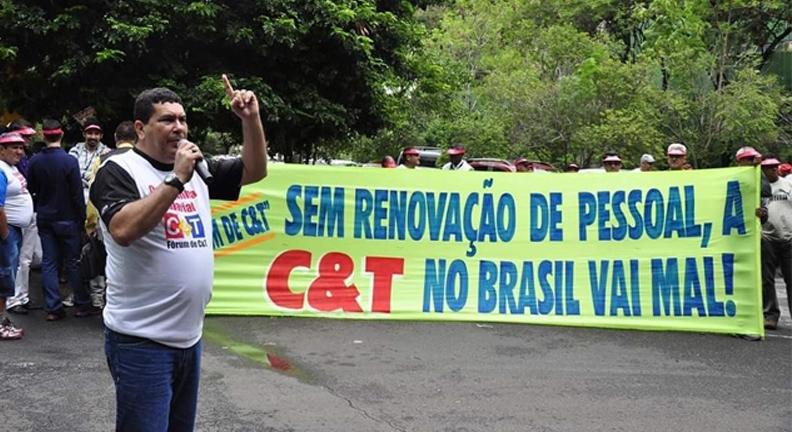 Servidor é afastado do cargo oito dias após participar de protesto no Inpa
