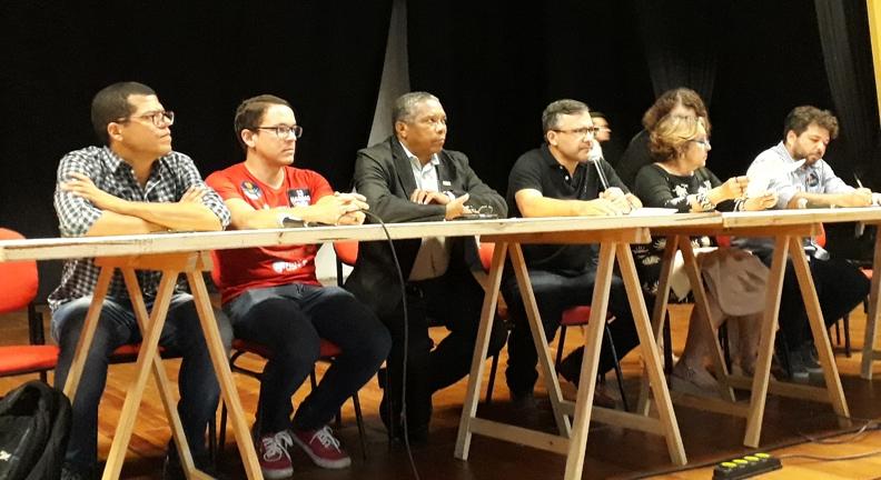 Servidores se reúnem e debatem propostas de candidatos a Presidência para setor