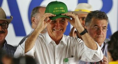 Anistia de Bolsonaro para ruralistas supera economia da Previdência com servidor