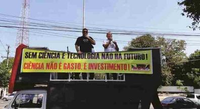 Ato público em defesa do Inpa expõe descaso com a pesquisa no Brasil