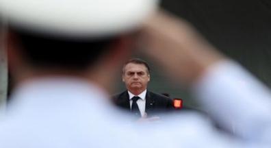 Bolsonaro anuncia redução de 90% de normas de segurança no trabalho