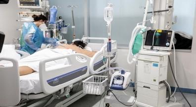 Brasil se aproxima de 17 milhões de casos e 475 mil vidas perdidas para a Covid