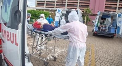Brasil vive pior momento da covid-19 ao superar 250 mil mortos