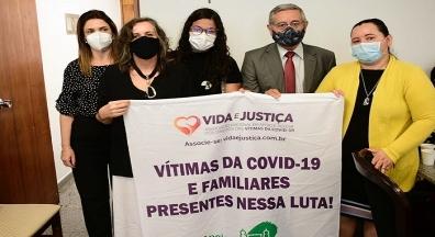 CPI da Covid: Familiares das vítimas relatam dor e revolta com descaso de Bolsonaro