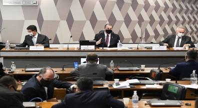 CPI ouve servidora do Ministério da Saúde que autorizou contrato da Covaxin