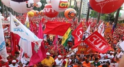 Dia de ocupar a Praça da Sé contra a reforma da Previdência