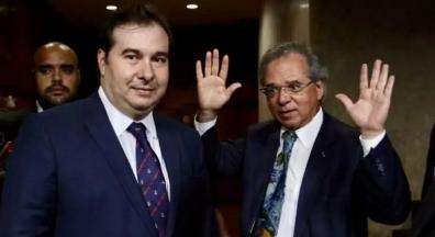 Em semana de conversa com Guedes, Maia diz que não é hora para impeachment