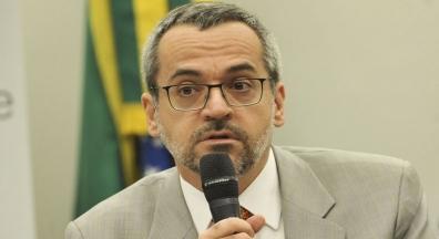 Fasubra Sindical aciona ministro da Educação na justiça