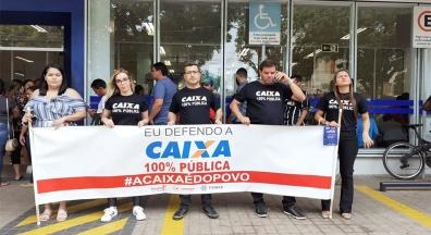 Funcionários da Caixa fazem paralisação contra a reestruturação da entidade