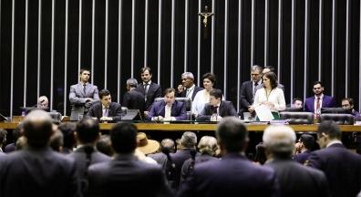 Governo destrava nomeação de cargos para impedir perda de votos