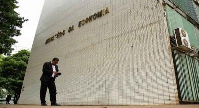 Governo diz ter economizado R$ 1 bilhão com teletrabalho de servidores
