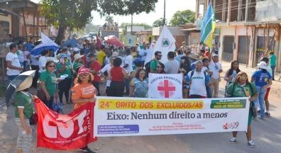 Grito dos excluídos reúne multidão em caminhada pelas ruas de Macapá