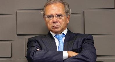 Guedes fala do fim do vale-transporte, vale-refeição e da Justiça do Trabalho