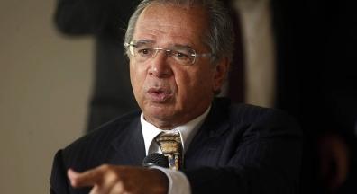 Guedes quer avaliação por cidadão para funcionário público ganhar estabilidade
