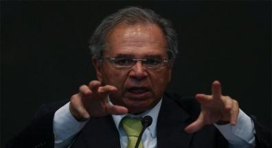 Guedes quer fatiar reforma administrativa para mudar toda a jornada do servidor