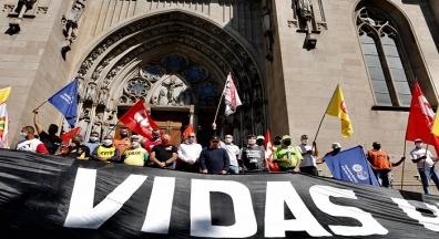 No Ato Nacional, em SP, CUT e centrais defendem impeachment de Bolsonaro