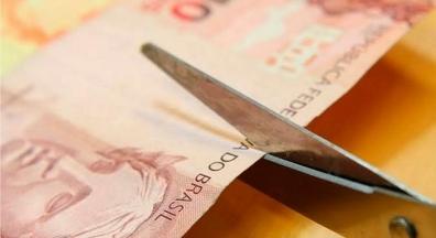 Os servidores públicos rejeitam a política de achatamento salarial