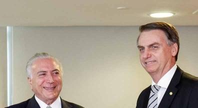 Problema não é número de servidores, mas salários altos, diz Temer a Bolsonaro