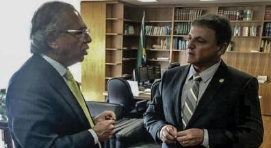 Relator acata Guedes e vai incluir Renda Brasil em PEC de corte de gastos