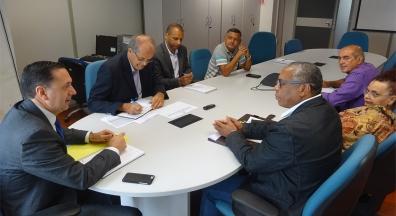 Sem debate, governo comunica Decreto que altera regras de contribuição sindical