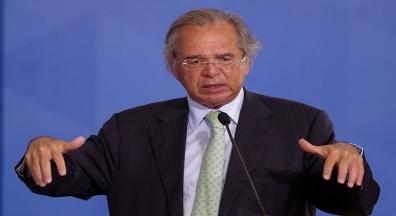 Senado derruba veto, e Guedes tenta impedir reajuste a servidores