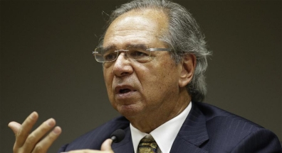 'Servidor pedir aumento agora é ato de insensatez', diz Guedes