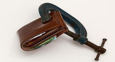 Servidores com contas do Sicoob são surpreendidos e ficam sem receber salários