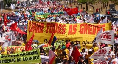 Servidores lançam campanha salarial e participam de ato em defesa da Previdência