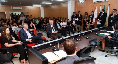 Tensão marca audiência pública sobre demissão de servidores da Valec