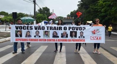Trabalhadores do Amapá se manifestam em dia nacional de paralisação